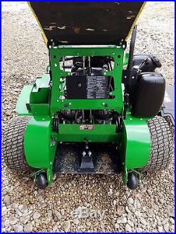 61 John Deere 661R Quik Trak stander zero turn commercial lawn mower