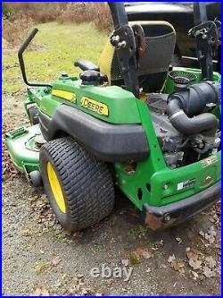 John Deere Z830A Zero Turn Lawn Mower